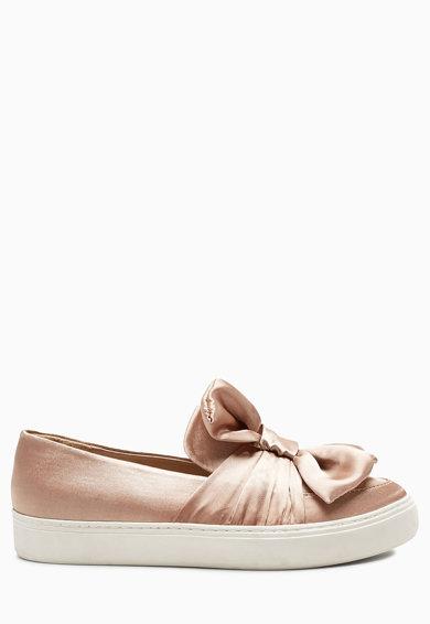Pantofi slip-on bej satinati cu funda de la NEXT