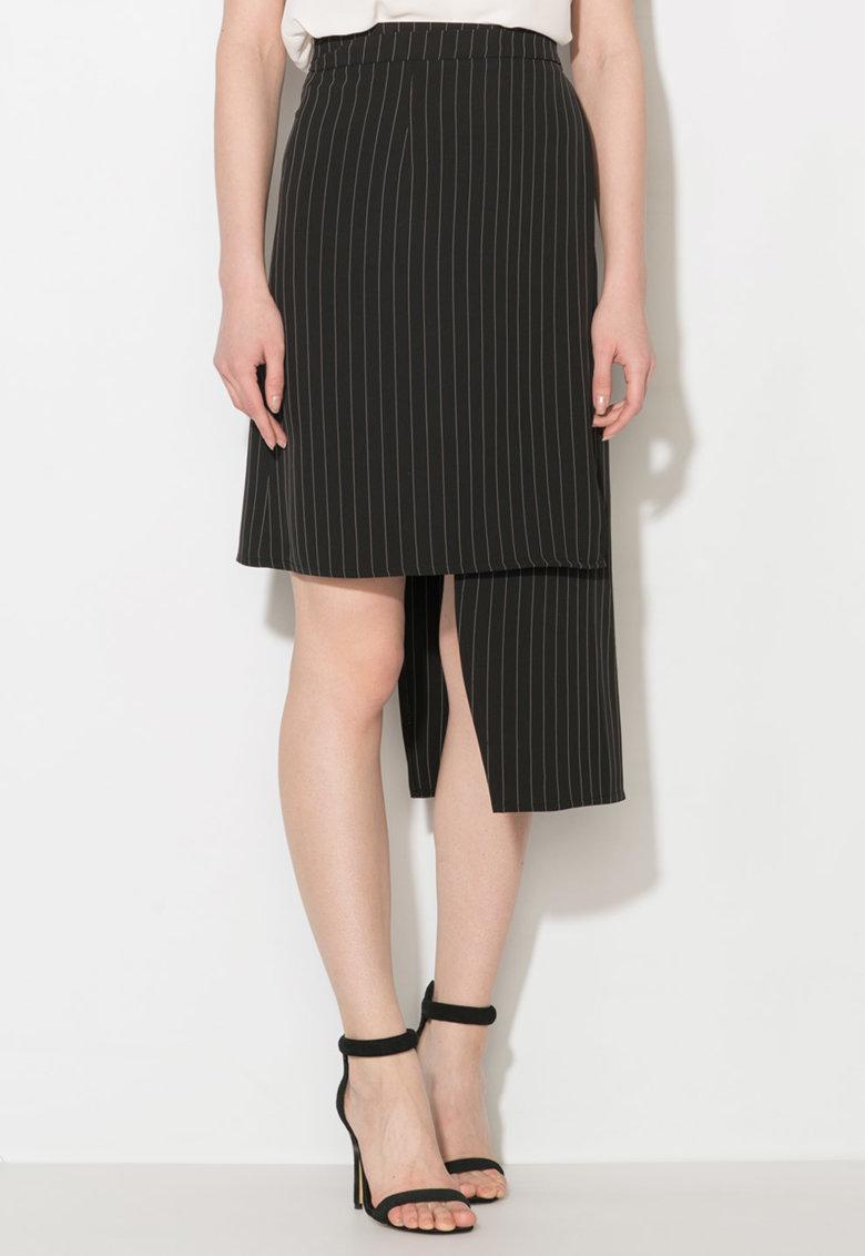 Fusta asimetrica negru cu alb de la Zee Lane Collection