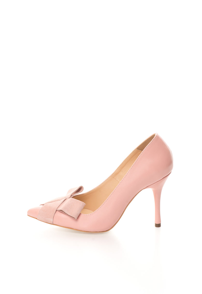 Pantofi roz deschis de piele si piele intoarsa cu varf ascutit de la Mihaela Glavan
