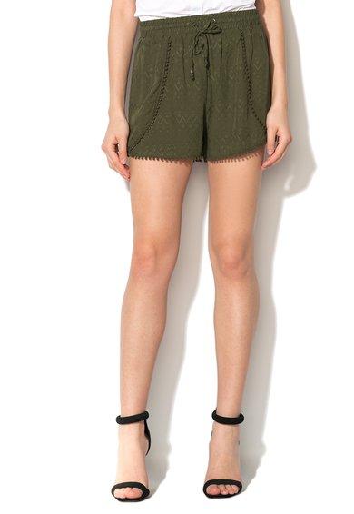 Pantaloni scurti verde oliv cu garnituri crosetate