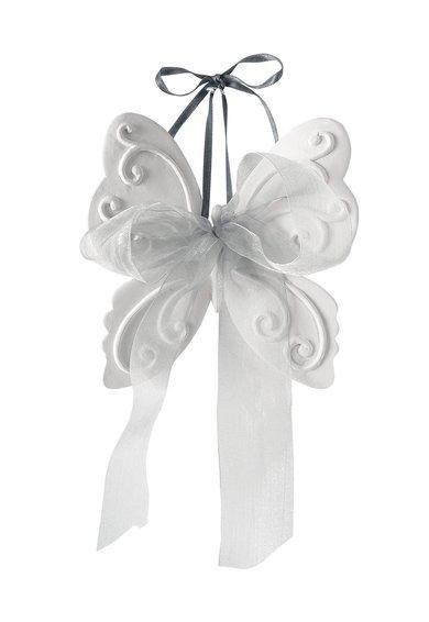 Decoratiune alba parfumata in forma de fluture de la Mathilde M