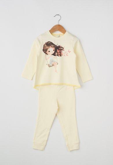 Pijama galben pal cu imprimeu cu fetita de la Undercolors of Benetton