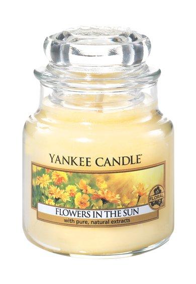 FashionDays.ro: Lumanare parfumata mica in borcan Flowers In The Sun Yankee Candle