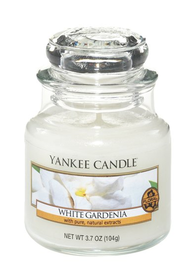 FashionDays.ro: Lumanare parfumata mica in borcan White Garnedia Yankee Candle